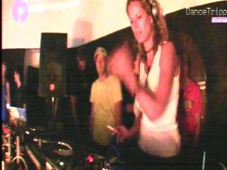 ibiza_female_dj_1a